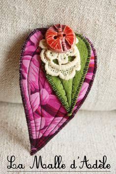 Barrette textile feuille en tissu rose floral