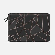 Chic Faux Rose Gold Geometric Outline on Black - Macbook Sleeve