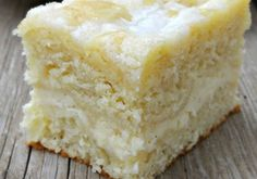 Cream Cheese Coffee Cake - Recipe - The Answer is Cake This Cream Cheese Coffee Cake is yet another super easy and incredibly delicious coffee cake recipe. With a tangy cream cheese layer and crumbly streusel. Just Desserts, Delicious Desserts, Dessert Recipes, Yummy Food, Cheesecake Recipes, Pavlova, Cream Cheese Coffee Cake, Coffee Cream, Cream Cheese Cakes