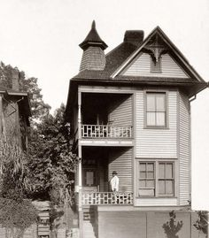 Bay Windows in Atlanta Georgia 1899 or 1900. Gelatin silver print from the collection of W.E.B. Du Bois.[Building]