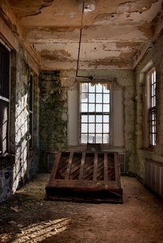 Piano in abandoned state hospital