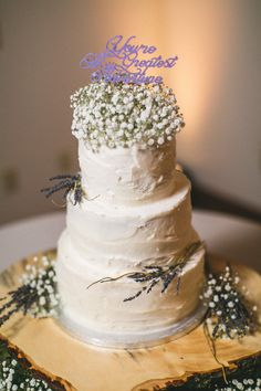 Cute 3-tier wedding cake that matches the bouquet! View the full wedding here: http://thedailywedding.com/2016/05/11/southern-oak-grove-wedding-corbin-kailee/