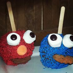 Mmm me like cookie monster cake pops Monster Cake Pops, Cookie Monster, Minnie Cake, Event Themes, Compliments, Treats, Cakes, Desserts, Handmade