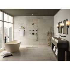 Beautiful master bathroom decor tips. Modern Farmhouse, Rustic Modern, Classic, light and airy master bathroom design ideas. Bathroom makeover a few ideas and master bathroom renovation a few ideas.