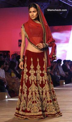 Monisha Jaising Lehenga collection 2013 Delhi Couture Week