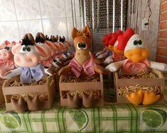 centro-de-mesa Farm Birthday, Birthday Parties, Felt Cake, Pony Rides, Cowgirl Party, Farm Theme, Ideas Para Fiestas, Felt Applique, Party Themes