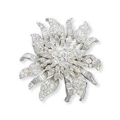 A DIAMOND FLORAL CLIP BROOCH, BY VAN CLEEF & ARPELS