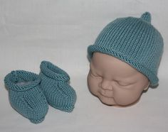 Supersoft Merino Cashmere baby beanie hat and booties in Aqua Splash - £22.99