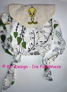 Leichter, geräumiger Rucksack nach eigenem Entwurf gefertigt.  Bestickung mit vogel auf der Verschlußklappe und leichter Gummizug  in der Öffnung, ...