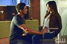 "Beauty and the Beast -- ""Kidnapped"" -- Pictured (L-R): Jay Ryan as Vincent and Kristin Kreuk as Catherine  -- Image Number: BB202b_0168.jpg — Photo: Sven Frenzel/The CW -- © 2013 The CW Network, LLC. All rights reserved."
