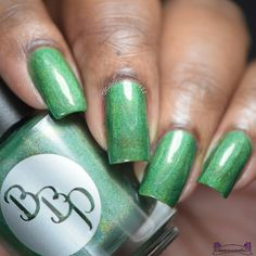 Emerald Supernova Busy Board, Nail Artist, Beauty Nails, Lovers Art, Hair And Nails, Birthstones, Swatch, Emerald, Manicure
