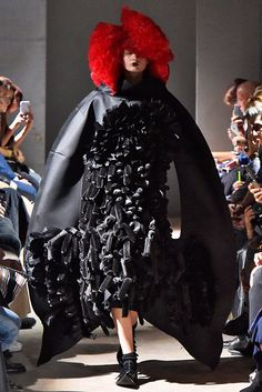 View all the catwalk photos of the Comme Des Garcons spring / summer 2016 showing at Paris fashion week. Read the article to see the full gallery. Fashion Week, Fashion Show, Fashion Design, Fashion Trends, Paris Fashion, Style Couture, Haute Couture Fashion, Milan, Comme Des Garcons