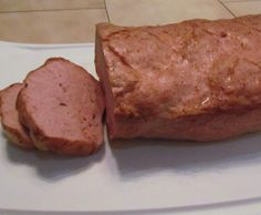 Recipe Fleischkäse (Leberkäse) by der-rotter, learn to make this recipe easily in your kitchen machine and discover other Thermomix recipes in Hauptgerichte mit Fleisch. Bavarian Recipes, Hungarian Recipes, Charcuterie, Bratwurst Sausage, Sausages, Homemade Sausage Recipes, German Sausage, How To Make Sausage, Sausage Making