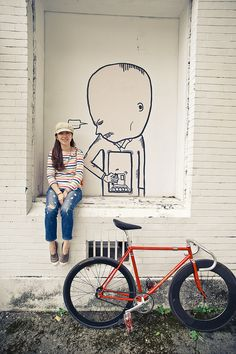 I like FIXED GEAR GIRL TAIWAN! Bicycles Love Girls. http://bicycleslovegirls.tumblr.com/