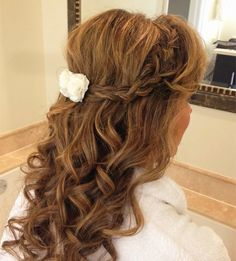 Trend Alert: Creative and Elegant Wedding Hairstyles for Long Hair Half Up Wedding Hair, Hairdo Wedding, Elegant Wedding Hair, Wedding Hair And Makeup, Bridal Hair, Hair Makeup, Trendy Wedding, Wedding Ideas, Wedding Hairstyles For Long Hair