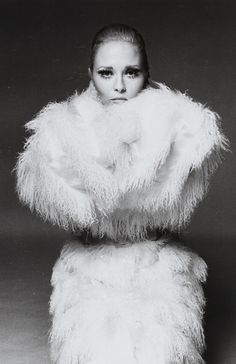 FRANCESCO SCAVULLO 1921-2004 FAYE DUNAWAY gelatin silver print, the Sean Byrnes collection stamp on the reverse, 1967,