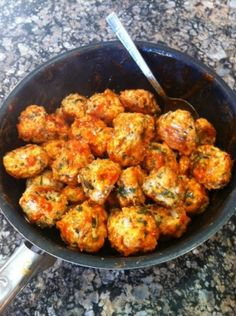 Ripped Recipes - Buffalo Chicken Meatballs - Spicy Little Meatballs you can enjoy with rice, in a wrap or all by themselves Clean Eating Recipes, Clean Eating Snacks, Healthy Eating, Paleo Recipes, Cooking Recipes, Recipes With Macros, Cooking Time, Buffalo Chicken Meatballs, Spicy Meatballs