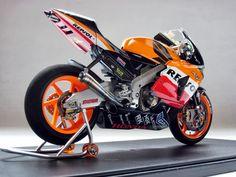 Honda RC 211V V.Rossi Phillip Island 2003 by Luyan Wen (Tamiya