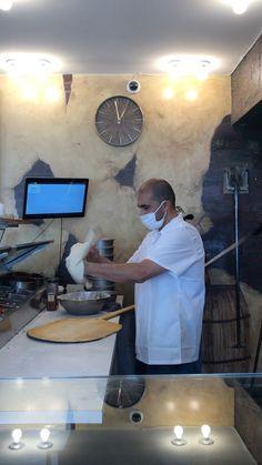 Sam, the pizza machine!