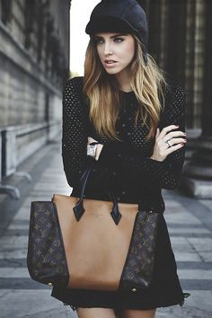 Street Style & a gorg Louis Vuitton bag! The Blonde Salad Mode Lookbook, Fashion Lookbook, Fashion Trends, Fashion 2014, Nail Fashion, Fashion Black, Fashion Weeks, Party Fashion, Street Fashion