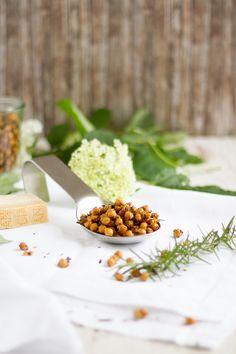 Geröstete Kichererbsen mit Parmesan & Rosmarin // Roasted Chickpeas with Parmesan & Rosemary