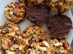 These florentines are better than the ones from the coffee shop. They taste so good, I'm always asked for the recipe. Biscuit Cookies, Biscuit Recipe, Florentine Biscuits, Savoury Slice, Florentines Recipe, Great Recipes, Favorite Recipes, Healthy Recipes