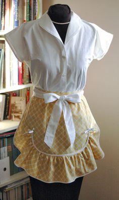 Love this 1940's half-apron