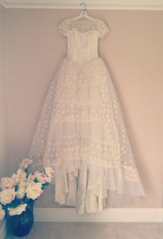 Vintage Wedding Dress lace tiered with train by LaceAndYarn. , via Etsy. 1950 Wedding Dress, Gorgeous Wedding Dress, Beautiful Dresses, Dream Wedding, Bridal Gowns, Wedding Gowns, Vintage Dresses, 50s Dresses, Wedding Styles