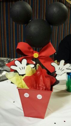 Mickey Mouse centerpiece for a 1st birthday