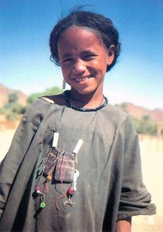 "Africa | Kel Owey Tuareg girl. Aïr region, north central Niger || Scanned postcard; Edition Bwaso ~ collection ""dialogue de civilisations"""