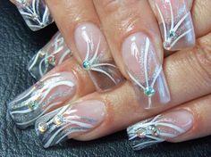 Cristal con mano alzada y piedras $190