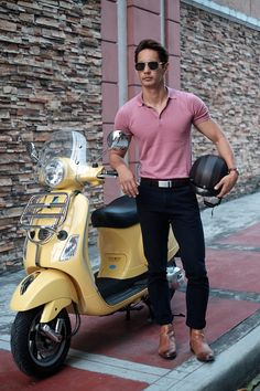 Pink polo + black chinos + brown boots Black Chinos, Men's Fashion, Fashion Outfits, Outfit Combinations, Vespa, Brown Boots, Men's Style, Gentleman, Most Beautiful