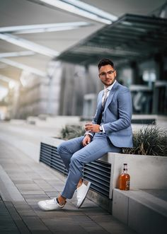 We like unusual combinations. Suit, whisky and white sneakers. White Sneakers, Mens Suits, Whisky, Smoking, Classic, Fit, How To Wear, Collection, Style