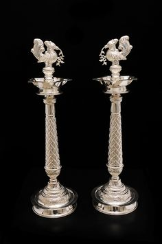 Gold Wedding Jewelry, Gold Jewelry Simple, Silver Jewelry, Antique Oil Lamps, Antique Metal, Antique Silver, Silver Lamp, Silver Trays, Silver Home Accessories
