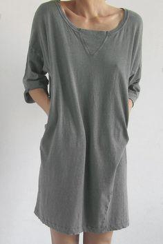 MINIMAL + CLASSIC: Sweatshirt Dress
