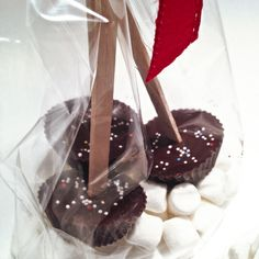 Kakaopinner. Deilig til varm melk. http://tessasdesign.blogspot.no/2013/12/kakaopinner.html
