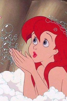 Walt Disney movie The Little Mermaid. Ariel in Bubble bath. Disney Pixar, Ariel Disney, Walt Disney, Disney Girls, Disney Animation, Disney And Dreamworks, Disney Magic, Disney Art, Disney Movies