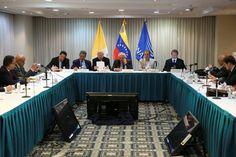 Se espera que este sábado anuncien acuerdos tras segunda reunión Gobierno – Unidad - http://www.notiexpresscolor.com/2016/11/12/se-espera-que-este-sabado-anuncien-acuerdos-tras-segunda-reunion-gobierno-unidad/