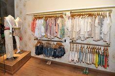 decoração loja roupas