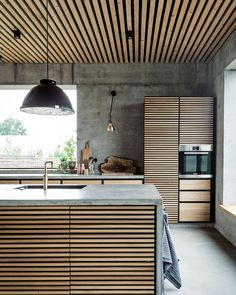 Colorful your Kitchen with Mid-Century Modern Lamps Modern House Design colorful kitchen Lamps midcentury Modern Modern Kitchen Interiors, Industrial Interiors, Interior Design Kitchen, Modern Interior Design, Interior Design Inspiration, Modern Decor, Kitchen Modern, Contemporary Interior, Luxury Interior