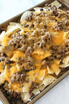 I am loving these delicious Sheet Pan Nachos Recipe with Homemade Taco Seasoning enjoy more recipes from here, acquire update every hours of daylight afterward delectable and yummy recipes Easy Nachos Recipe Beef, Homemade Nachos, Carne Asada Nachos Recipe, Mexican Food Recipes, Beef Recipes, Cooking Recipes, Skillet Recipes, Cooking Tools, Gourmet