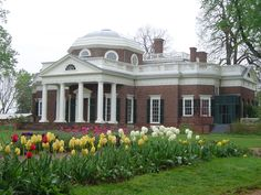 This is one of my favorite places - it's so pretty - Monticello - Thomas Jefferson's home.