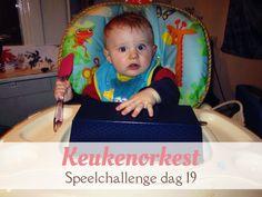 Laat de kinderen muziek maken met spullen uit de keuken. Leuk voor dreumesen en peuters.van:www.mizflurry.nl