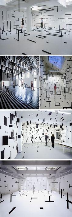 Installations et peintures murales par Esther Stocker - Journal du Design