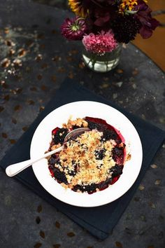 Blackberry crumble - will go very nicely with custard! Went out foraging yesterday & picked 2kg blackberries for FREE! Now I know what to do with them... yummy! fall, autumn, woodland, countryside, baking, pudding, dessert, purple, cooking, recipe, fruit, easy, simple