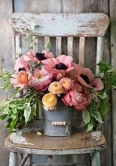 Does anything say Farmhouse Fabulous like a Charming Floral Arrangement? There is nothing like some beautiful blooms put together in a simple yet gorgeous way. You are going to find a collection of Adding a Touch of Spring with Farmhouse Flower Ideas t Deco Floral, Arte Floral, Floral Design, Bloom, Fresh Flowers, Pretty Flowers, Spring Flowers, Lavender Flowers, Wild Flowers