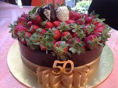 50th Wedding Anniversary Cake--this looks yummy!