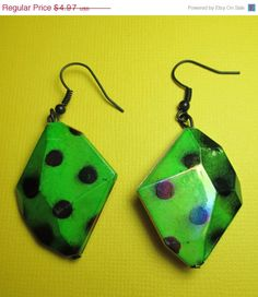 ON SALE Green and Black Earrings by RoseyJohnny on Etsy, $4.72 | See more about black earrings, earrings and green.