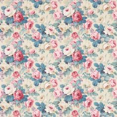 Chelsea Wallpaper A vintage rose bouquet, in pink and indigo on a beige background.