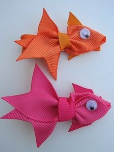 bows...I need my favorite cousin ever, Kayla Blalock, to make me some of these if I have a girl!